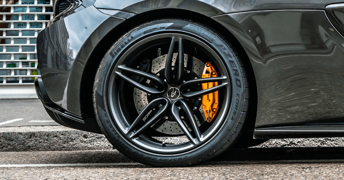 Carbon wheel - Sport Car - Ferrari