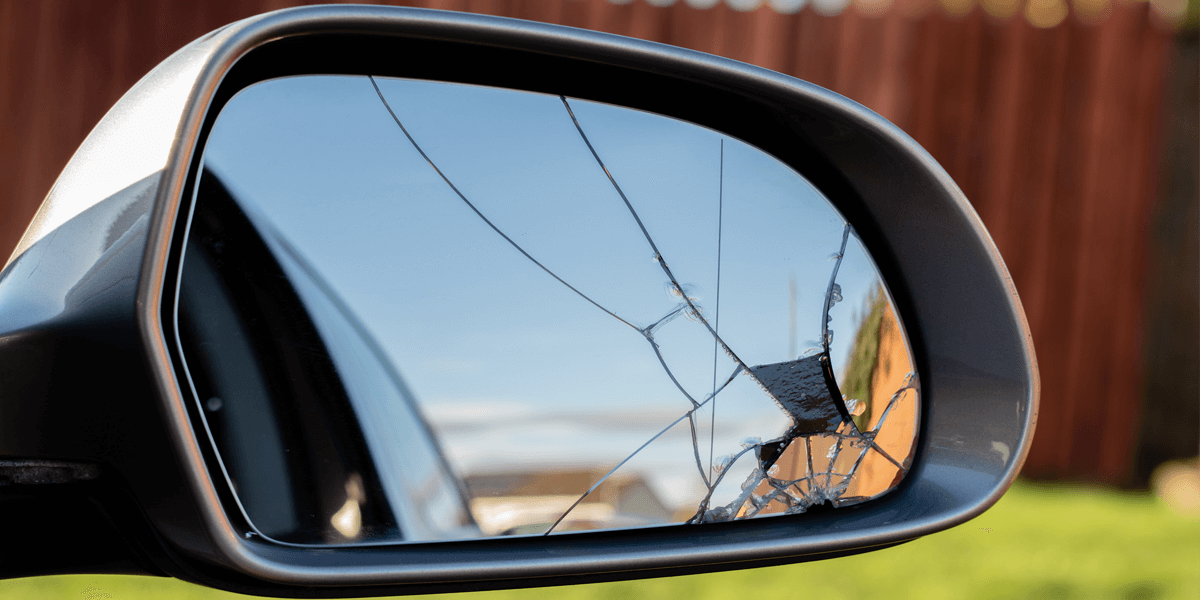 Smashed wing mirror