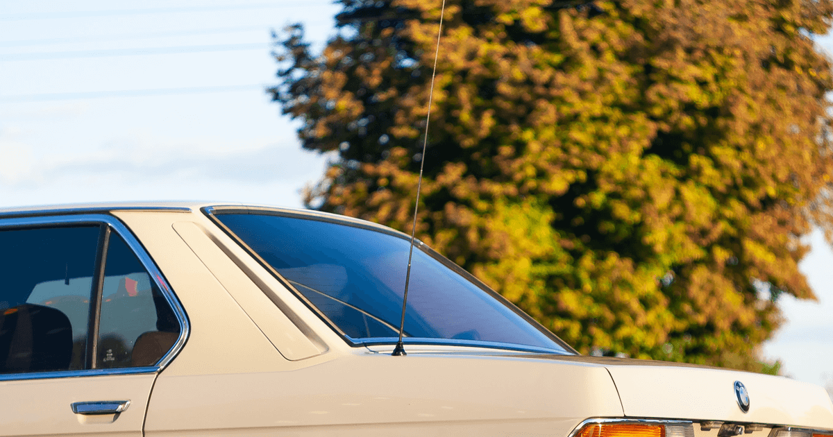 Car aerial - automatic car antenna